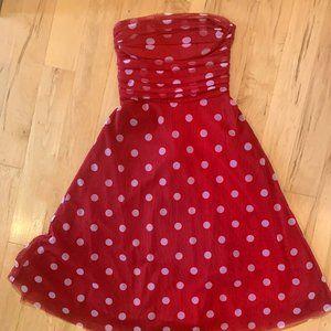 Polkadot party dress, retro vibe